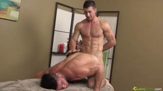 Boning a Big-Dicked Bottom