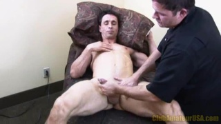 Jacking Off a Horny Stud