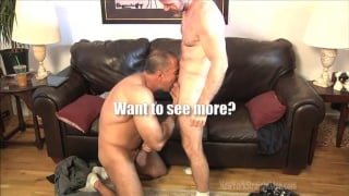 Two Hot Studs Improvise Oral Sex