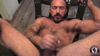 Very Hairy Muscle Guy Jacking