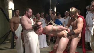 it's a roman gladiator orgy