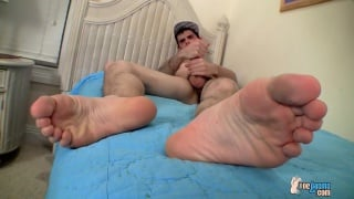 nolan jacks his niner and plays with feet
