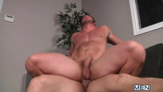 beefy rugby player fucks muscle buddy