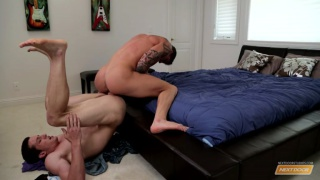 gay sex virgin does his first scene
