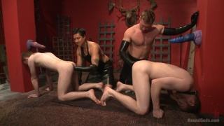 3 gingers in BDSM live show