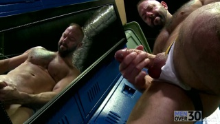 muscled daddy jacking off in locker room