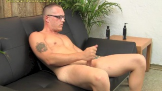 masturbating straight guy with glasses