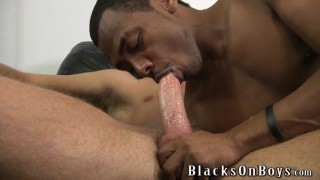 hung white boy fucks black bottom