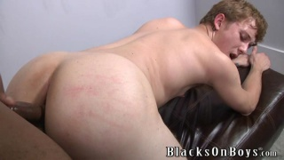 White ebony boy deeply ass fucked in the lounge
