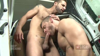 Jonathan Agassi gets a deep dicking