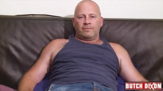 Hairy bear Tommy Wellin jacking uncut cock