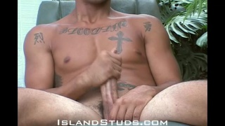 Malu has a huge 9-inch cock