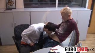 beautiful euro twinks gets into nasty bareback fuck