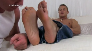 muscle hunk gets size 11 feet worshiped