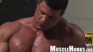 massive muscle hunk kurt beckmann