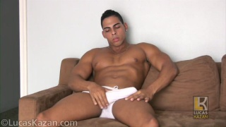 brazilian hunk Luigi in casting video