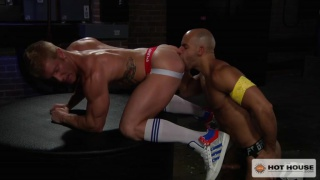 Sean Zevran fucks muscle bottom Johnny V