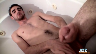 Straight guy Duke soaking and stroking in tub