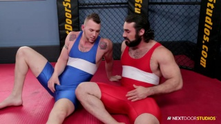 good bottom boy gets fucked in wrestling gym