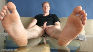 straight guy jacking off bare footed