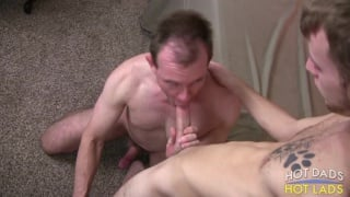 big-dicked daddy interrupts skinny dude's JO session