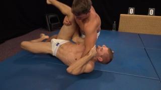 Peter Looper vs Filo Bruska on the wrestling mats