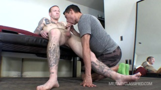 tatted str8 stud gets head from cocksucker