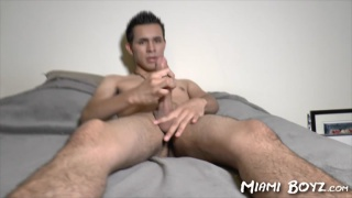 Mexican-American jacks his dick