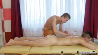 Tom Fiaty massages and fucks Jose Manuel