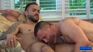 Gabriel Fisk bare fucks his husband Russ Magnus