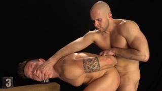 bald top screws his muscle buddy raw