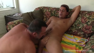 Delivery boy Ceaser Xes gets daddy cock as a tip