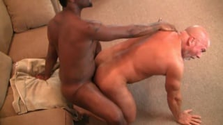 older bodybuilder gets his ass fucked by black stud