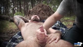 muscle bear marc angelo gets outdoor handjob