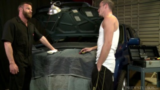 bearded mechanic gets fucked over client's car
