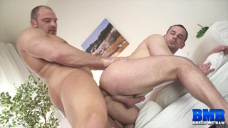 Zack Hood bare fucks Andy West