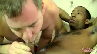 Curious Black Guy Silk Gets Sucked