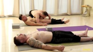 Brandon Moore fuck Jordan Boss in yoga class