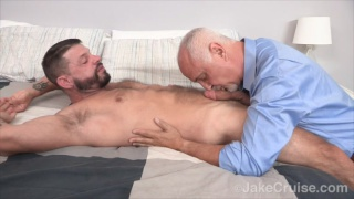 Tex Davidson gets sucked off by jake cruise