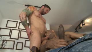 William Bravo gulps down Robin Sanchez's beautiful cock