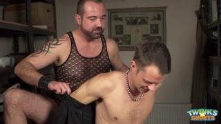 Paris Nio fucks Johan Volny on massage table