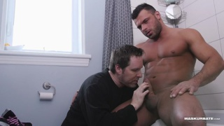 scruffy-faced muscle hunk gets sucked off