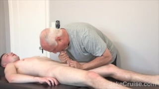 Kyler Ash gets his rock hard cock serviced