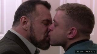 Max Sargent fucks Ian Levine