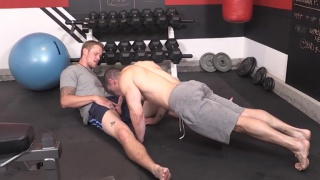 Jeremy Spreadums does push-ups on shawn reeve's cock