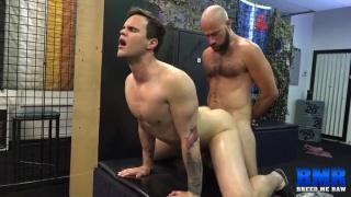 Damon Andros bare fucks Beau Reed