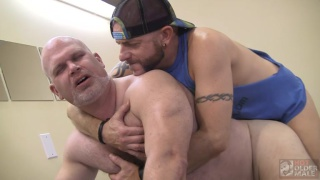 sean hunter fucks wade cashen with his raw dick