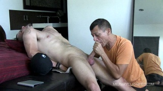 straight guy sits back and gets his dick serviced
