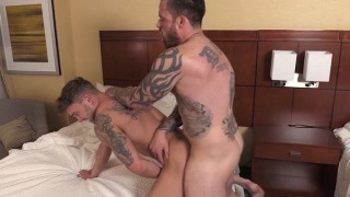 Jordan Levine fucks Jake Ashton