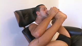 22-year-old bi guy eats his own foot